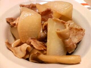大根と豚バラ肉の蒸し煮