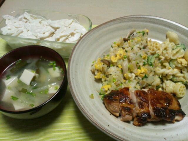 炒飯とチキン