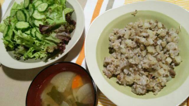 レンズ豆の煮込み、旨み油塩鶏など