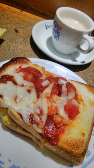 スクランブルエッグトースト改めたっぷりたまごのピザトースト