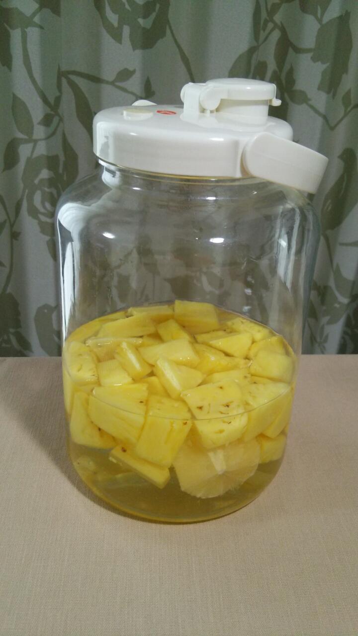 パイナップル酒を仕込みました
