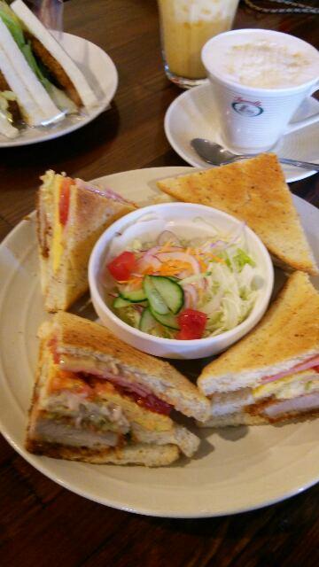 サンドイッチカフェ ファミーユ