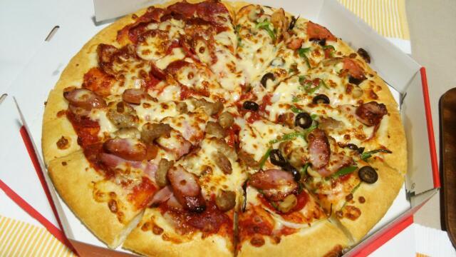 久しぶりのデリバリーピザ