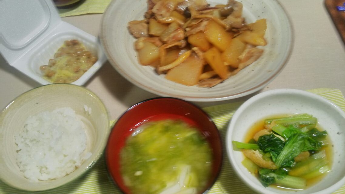 小松菜の煮浸しとか、だし巻き玉子とか