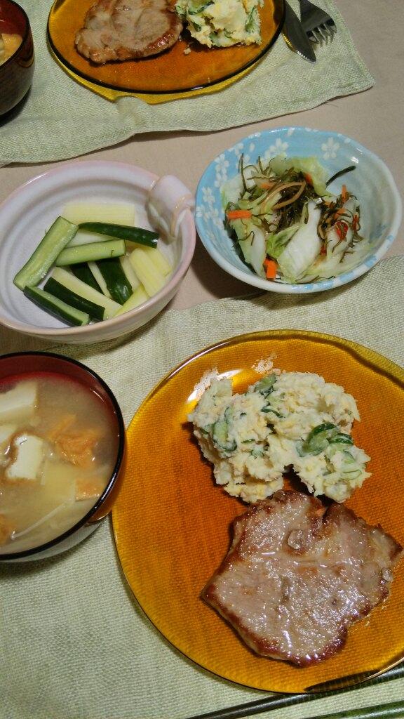 ポークソテーとか、鶏・大根・白菜のスープ煮とか